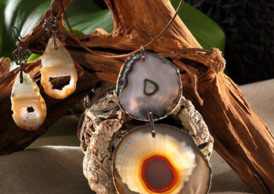merak - agate necklace with titanium section pic3