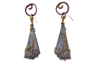 mizar - hematite earrings pic1