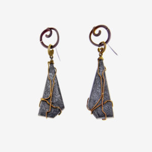 mizar - hematite earrings pic2